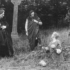Hamlet (Johnston Forbes-Robertson) and Horatio (S. A. Cookson) with Gravedigger