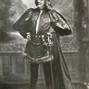 Bernhardt as Hamlet in the failed Adelphi Theatre production, London, 1899